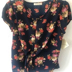 Tiffany &Grey Short floral sleeve top Petite Large